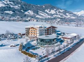 Sport- und Wellnesshotel Held 4 Sterne Superior, hotel in Fügen