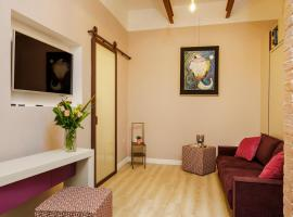 Vicky's luxury guesthouse, apartment in Naples
