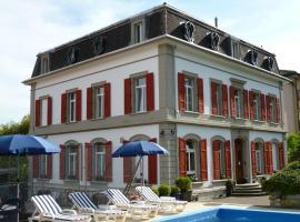 Hôtel Garni Villa Carmen, hôtel à La Neuveville