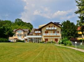 Seehotel Paulitsch, Hotel in der Nähe von: Aussichtsturm Pyramidenkogel, Velden am Wörthersee