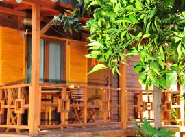 Ikiz Pension Bungalow, парк-отель в городе Чиралы