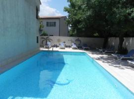 Motel Cap Sol, hotel near Old Course Golf Club, Mandelieu-la-Napoule