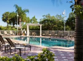 DoubleTree Suites by Hilton Naples, hotel in Naples