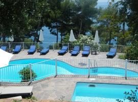 Hotel Villa Delle Meraviglie, hotel Marateában