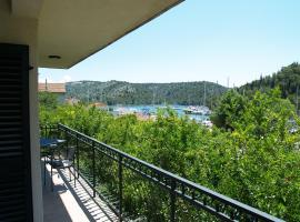 Apartments & Rooms Formenti, hotel in Skradin