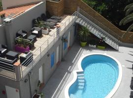 Hotel Le Majestic Canet plage, hotel in Canet-en-Roussillon