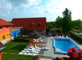 Wellness Park Pension, hotel in Gyenesdiás