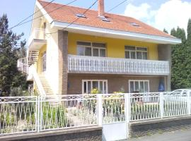 Napfény Apartment, hotel v destinaci Keszthely