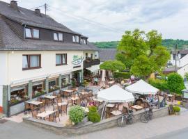 Eifel Hotel Schneider am Maar, hotel in Schalkenmehren