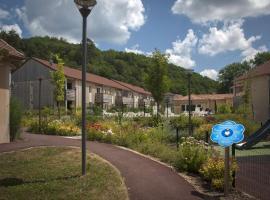 Vacancéole - Résidence Le Clos du Rocher, self catering accommodation in Les Eyzies-de-Tayac