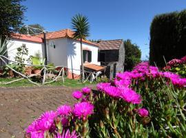 Casa do Ribeirinho, country house in Porto Moniz