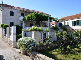 Pinta Apartments, budget hotel in Lumbarda