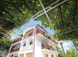 Guesthouse Villa Stanger, hotel in Lovran