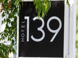 Hotel 139, viešbutis Kasteldefelse