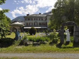Hotel Du Parc - Manoir Du Baron Blanc, hotel in Faverges