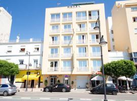 Hotel Mediterráneo, hotel in Estepona