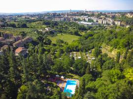 Camping Siena Colleverde, glamping site in Siena