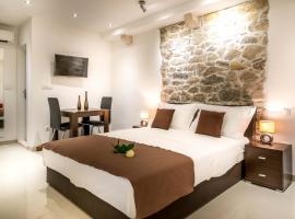 Split Oasis Studio Apartments, hotel in Split
