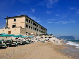 Hotel Il Brigantino, hotel in Porto Recanati