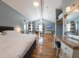 Silverstone Golf Club And Hotel, cabin in Silverstone