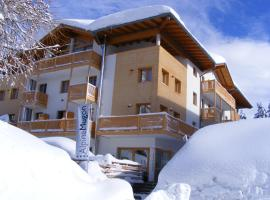 Alpine Mugon Hotel, hotel near Monte Bondone, Vason