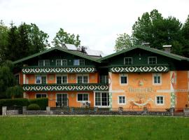 Landhaus Brieger, hotel near Hellbrunn Palace & Trick Fountains, Henndorf am Wallersee