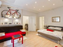 Apartment Red Bike, hotel near Cvjetni Square, Zagreb