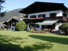 Pension Landhaus Gasteiger, hotel near Golfclub Kitzbühel Schwarzsee, Kitzbühel