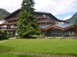 Hotel Trento, hotel in Pozza di Fassa