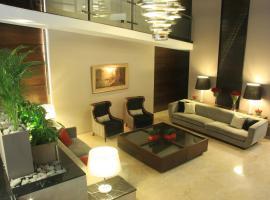 Grand King Hotel, hotel cerca de Estación 9 de Julio, Buenos Aires