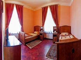 Villa Bergera, room in Dzierżoniów