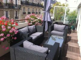 Chambre d'Amis, hotel near Porte de Montreuil Metro Station, Paris