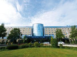 Maritim Hotel Bonn, hotel with pools in Bonn