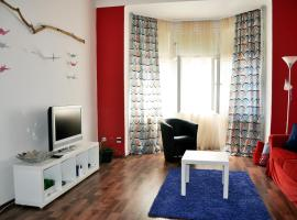 GRUS Apts Prague, 2bdr, walk to Prague's castle, hotel near Dejvická Metro Station, Prague