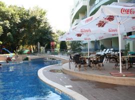 Хотел Перуника, хотел близо до Център на Златни пясъци, Златни пясъци