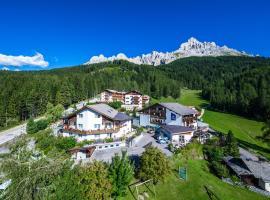 Good Life Hotel Zirm, hotel in Obereggen