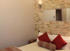 Skylark Guest House, hotel near Hounslow West, Hounslow