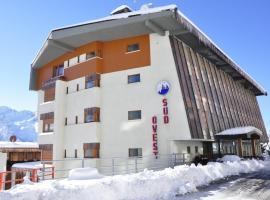 Hotel Sud Ovest, отель в Сестриере