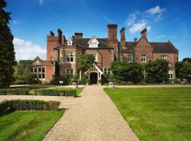 Alexander House Hotel & Utopia Spa, hotel in Turners Hill