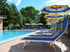 Hotel Villa Giuliana, hotel a Riva del Garda