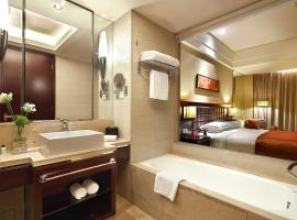 The QUBE Hotel Shanghai – Pudong International Airport, hotel in Shanghai