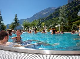 Hotel Alpenblick-Leukerbad-Therme, hotel in Leukerbad