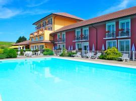 Domaine du Revermont, The Originals Relais (Relais du Silence), hotel near Ile du Girard Nature Reserve, Passenans