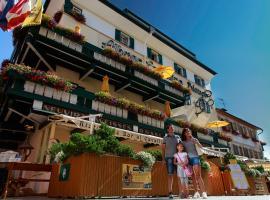 Hotel Cavallino Bianco - Weisses Roessl, hotel a San Candido