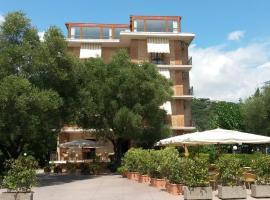 Hotel Orion, hotell i Villammare