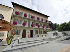 Casa Americani, hotel a Montà
