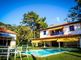 Pousada Vila Brasil, hotel with pools in Petrópolis