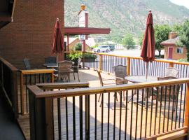 Frontier Lodge, hotel in Glenwood Springs