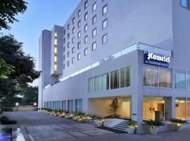 Hometel Chandigarh, hotel near Elante Mall, Chandīgarh