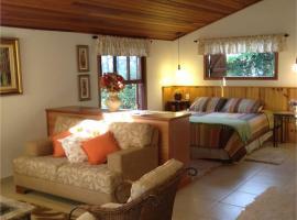 Chalé Aconchegante, hotel perto de Praça da Árvore, Monte Verde